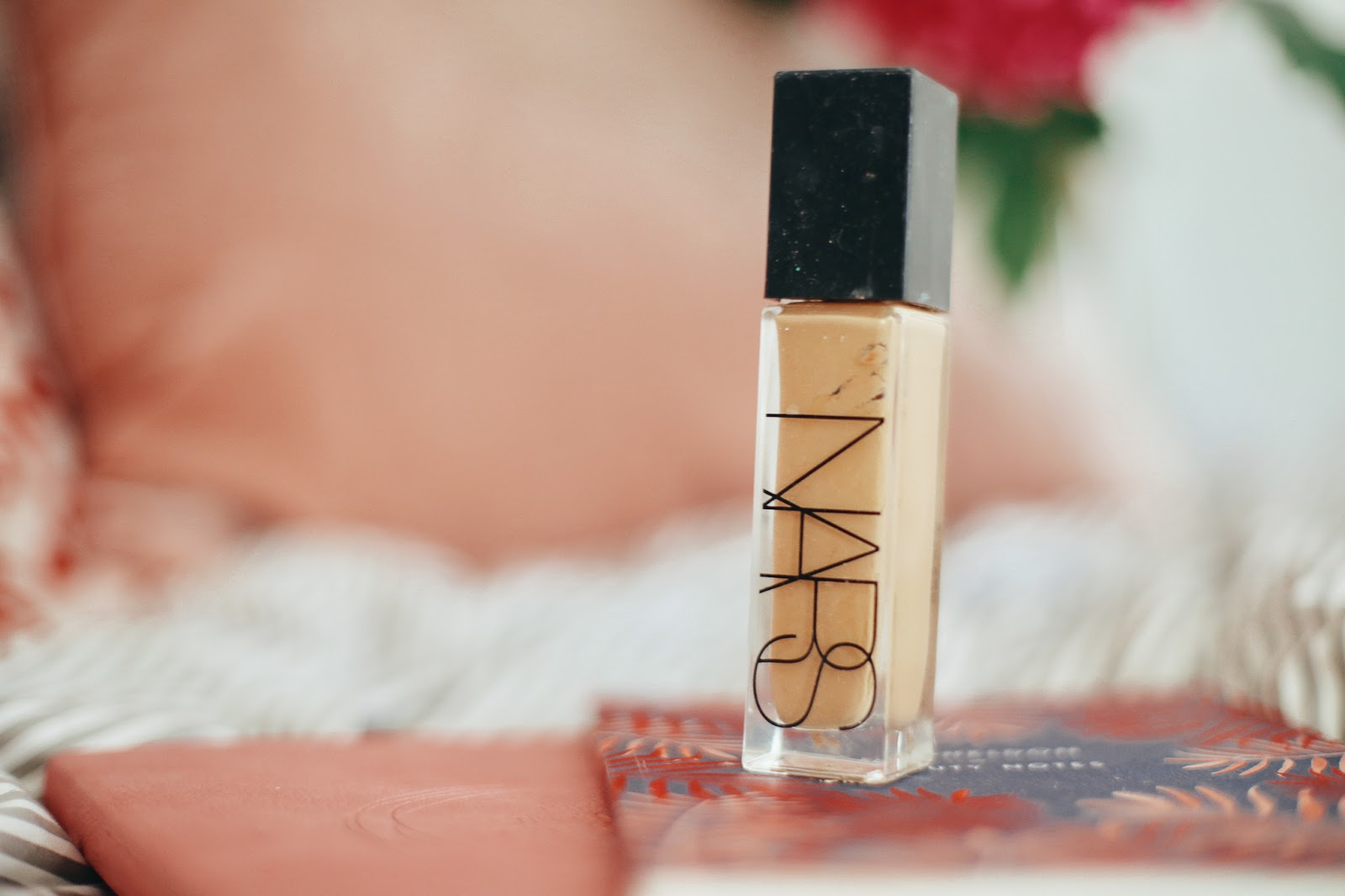 nars luminous foundation
