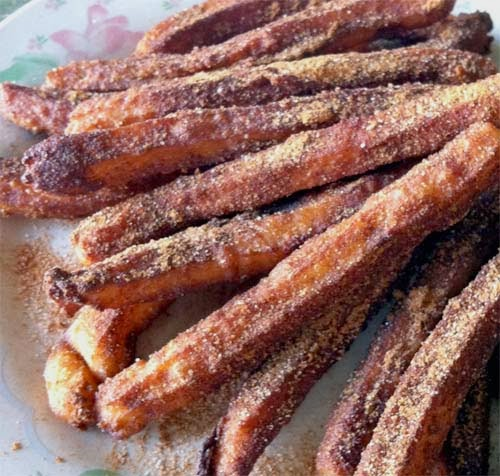 Tasty Churros (a lil burnt, but crunch and sweet)