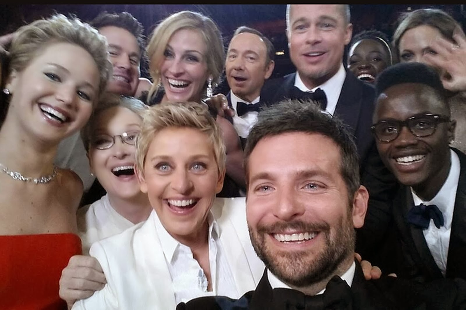 Best Selfie Ever at the Oscars 2014