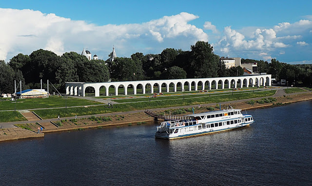 Великий Новгород – Ярославово дворище (Veliky Novgorod - Yaroslav's Courtyard)