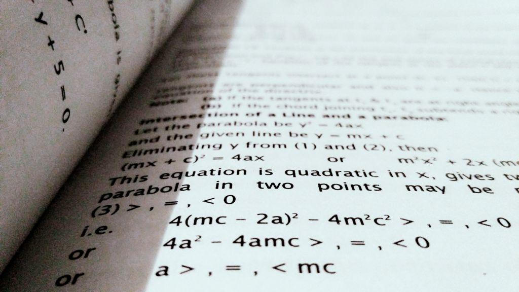 Materi Persamaan Dan Fungsi Kuadrat Pdf