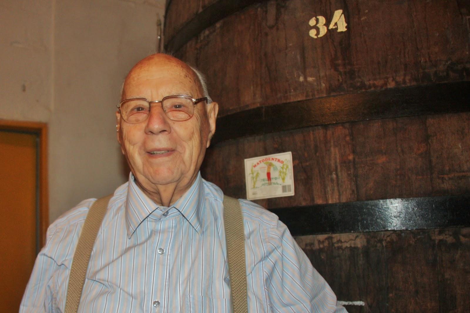 Seu Rômulo, dono da Destilaria Mato Dentro em São Luiz do Paraitinga