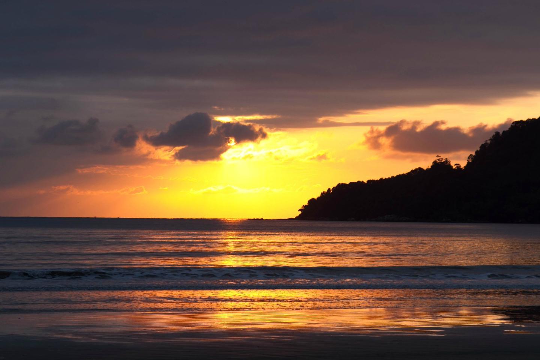 Nascer do Sol Praia Central Balneario Camboriu