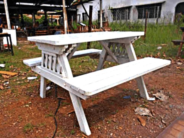 Gambar meja kayu jati