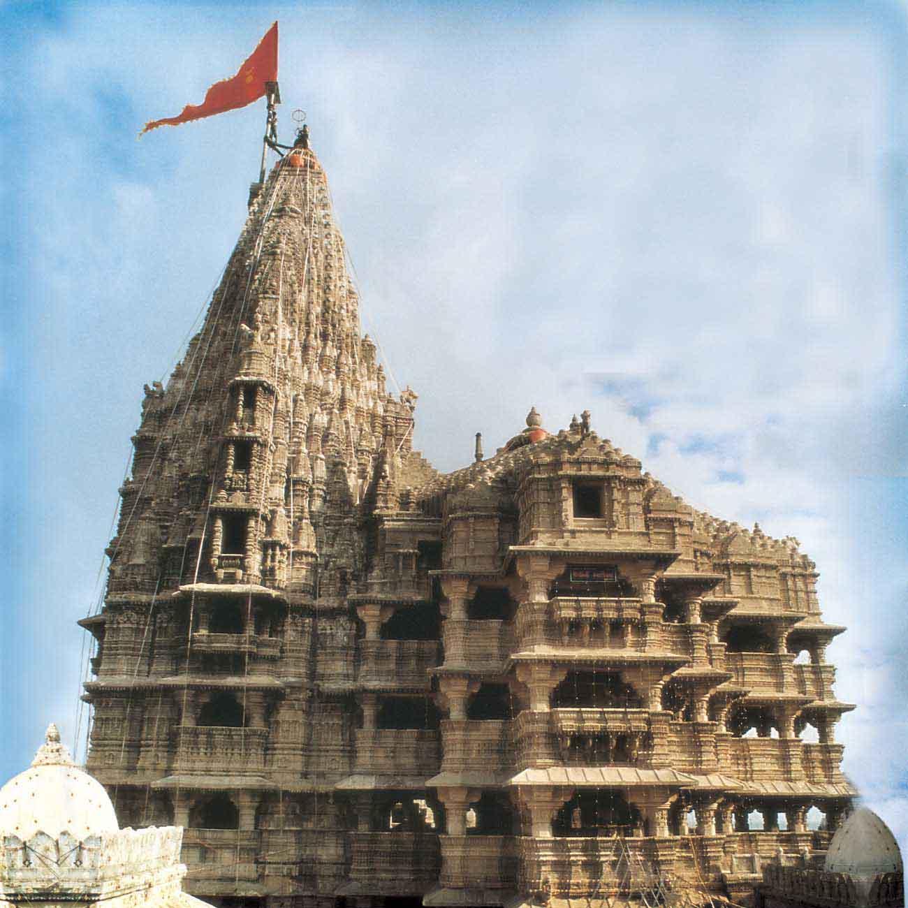 enchanting dwarkadhish temple dwaraka navrang india