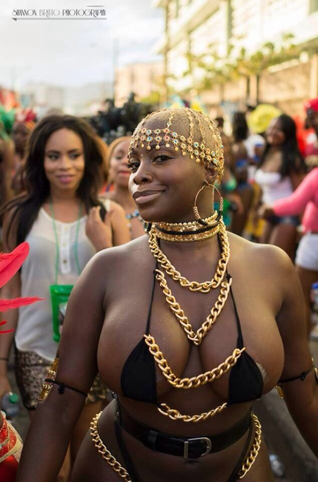 Image result for Just Imagine How This Lady Exposed her Pr!vate parts In A Carnival