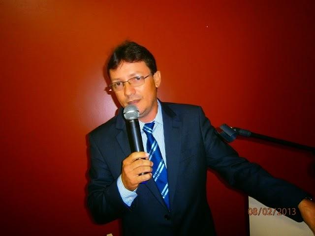 Vereador Fernando Moura vai ao HUT e visita vítimas de acidente em Elesbão Veloso