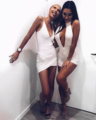 poses de amigas tumblr con vestido blanco