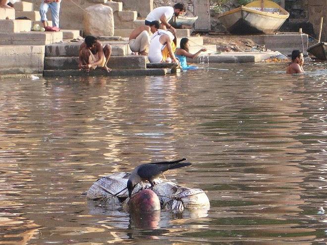 varanasi, india, cidade dos mortos