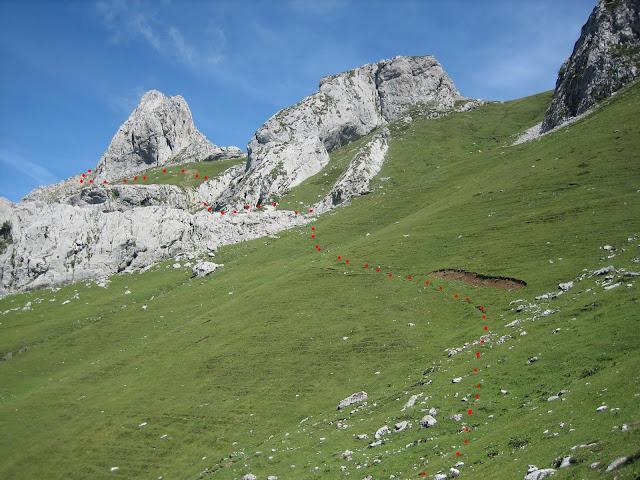 Rutas Montaña Asturias: Subiendo por el Llano Cebolleda, camino al Canto Cabronero