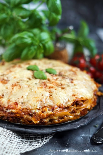 nalesniki, bolognese, mieso mielone, obiad, tort, bernika, kulinarny pamietnik