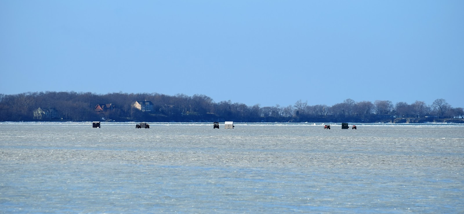 Lake erie islands rivers shores central ohio 39 s for Lake erie ice fishing
