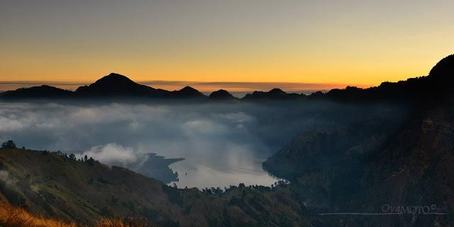 Keindahan Sunset dari Plawangan Sembalun, Gunung Rinjani Lombok
