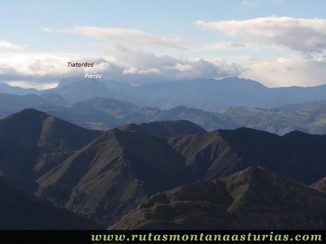 Vista del Tiatordos desde el Benzúa