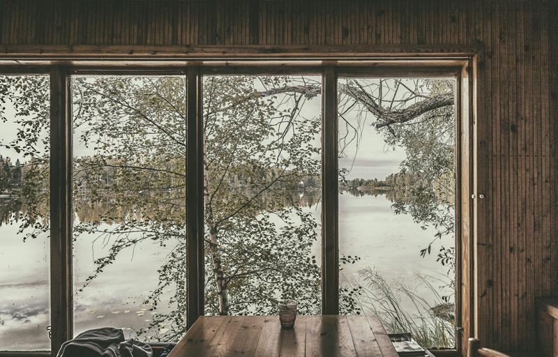 stillography, stillmoments, summer cottage, mökki, saari, suomalainen, luonto, scandinavian, nordic, slow living, Visualaddict, valokuvaaja, Frida Steiner, ikkuna, maisema, paneeli