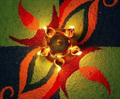 Diwali-Rangoli-with-Candles-image