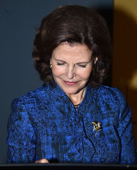 Queen Silvia style royal wore suit dress Chanell bag, Prada shoes, wore diamond gold earring newmyroyals