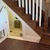 ΥΠΕΡΟΧΟ: Έφτιαξε ένα δωμάτιο για το σκυλάκι της κάτω από της σκάλες
