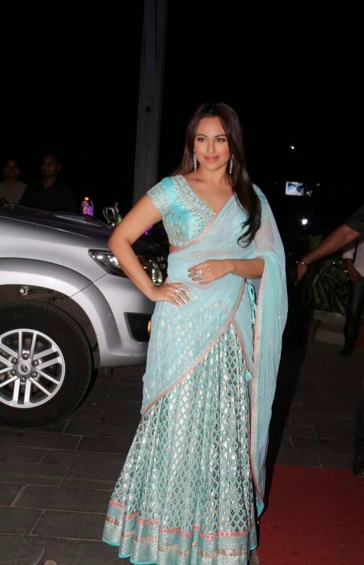 Sonakshi Sinha Hot Stills In Blue Saree