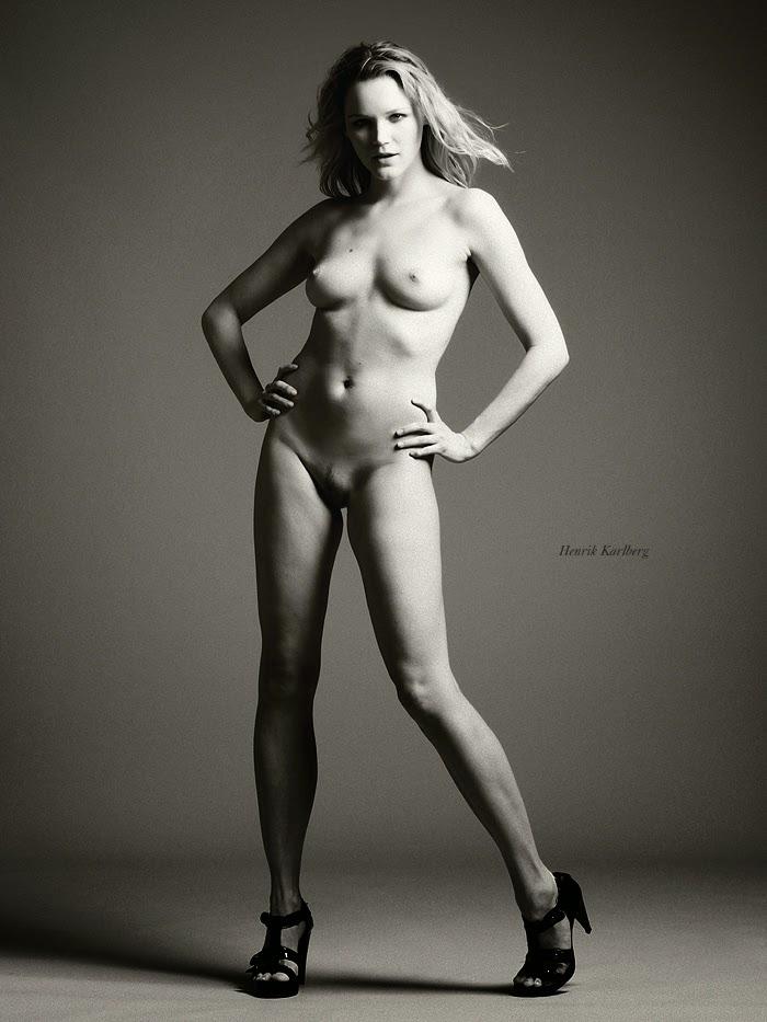 Topless sara chafak