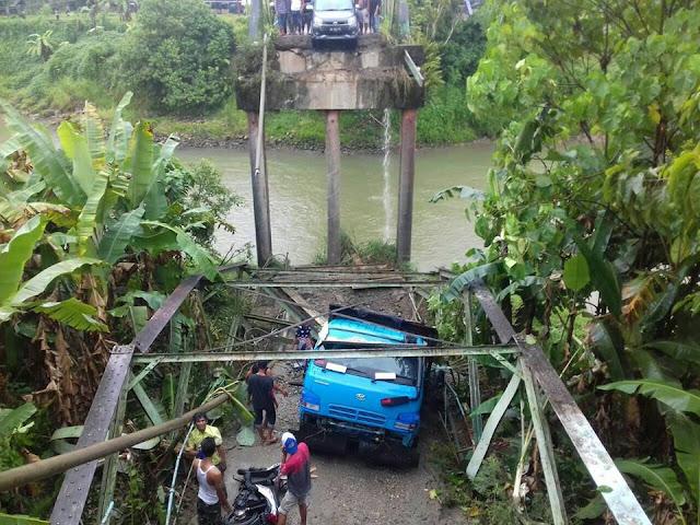 Ambruknya Jembatan Sikabu Akibat Lapuk dan Kelebihan Beban
