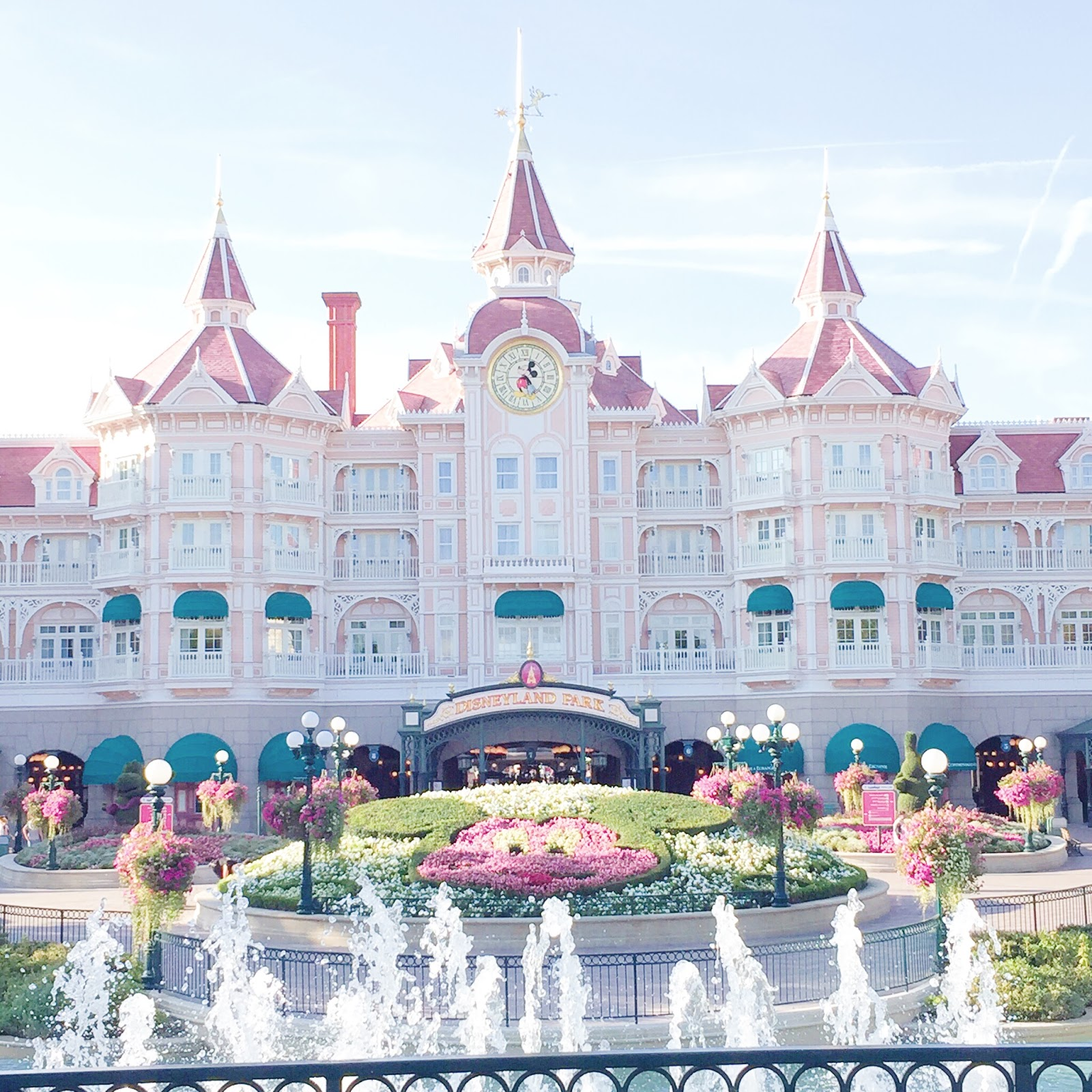 The Most Instagrammable Places At Disneyland Paris, Disneyland Paris, Travel, Disneyland Paris Photos, disneyland paris photo ideas, disneyland hotel