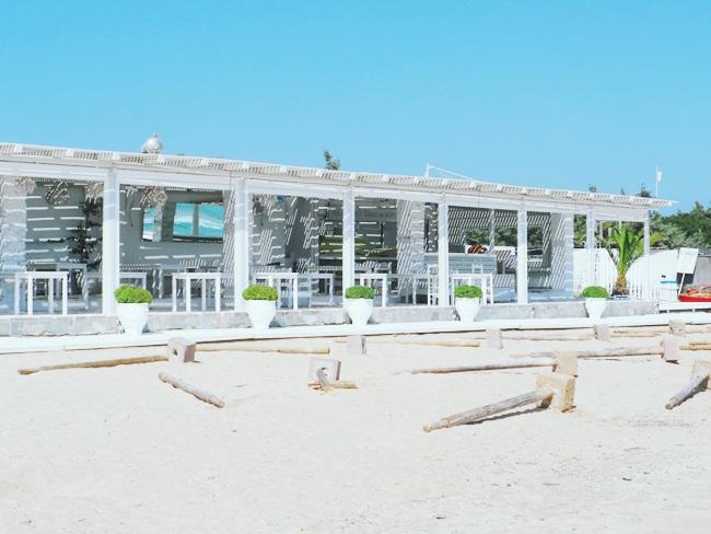 Santa Maria beach restaurant