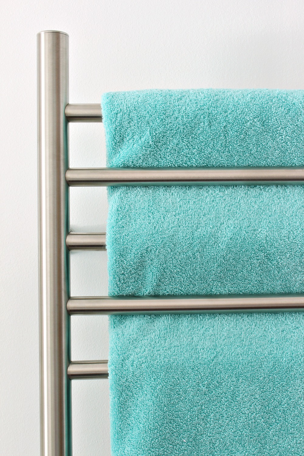 Guide for purchasing a towel warmer - what questions to ask