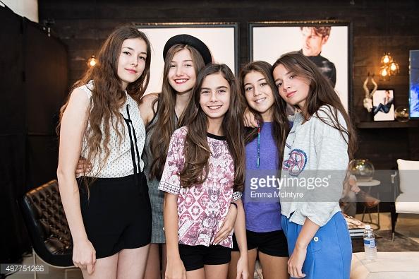 năm chị em