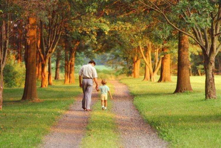 """Có 6 loại """"của cải"""" còn quý hơn cả vàng bạc, cha mẹ nào cũng nên để lại cho con"""