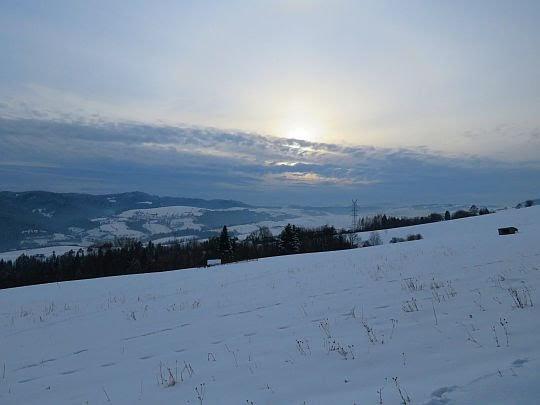 Słońce za niedługo schowa się za horyzontem.