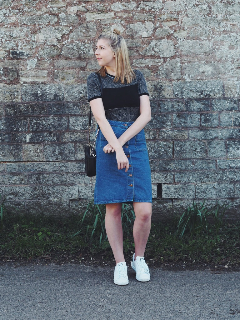 primark, topshop, asos, stansmiths, wiw, whatimwearing, lotd, lookoftheday, asseenonme, fbloggers, fblogger, ootd, outfitoftheday, denimmidiskirt, sportsluxe, fashionpost, fashionblogger, fashionbloggers