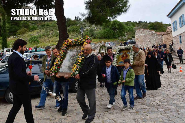 Η εορτή της Ζωοδόχου Πηγής στο ομώνυμο Βυζαντινό μοναστήρι της Αγίας Μονής στο Ναύπλιο (βίντεο)