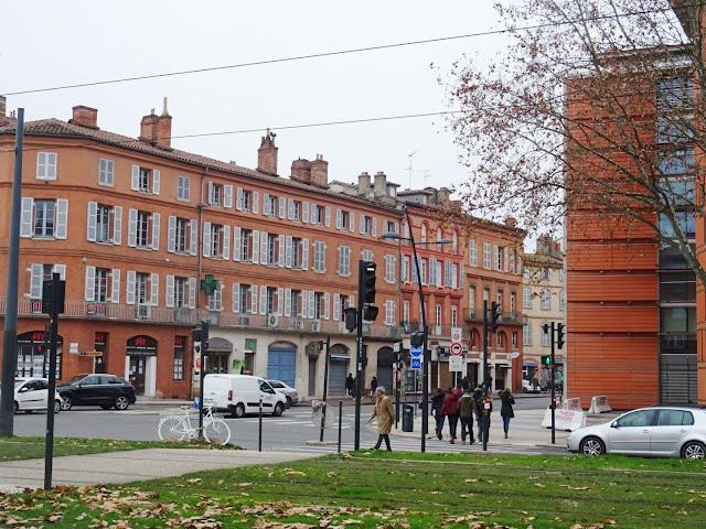 nhà xây gạch hồng ở Toulouse