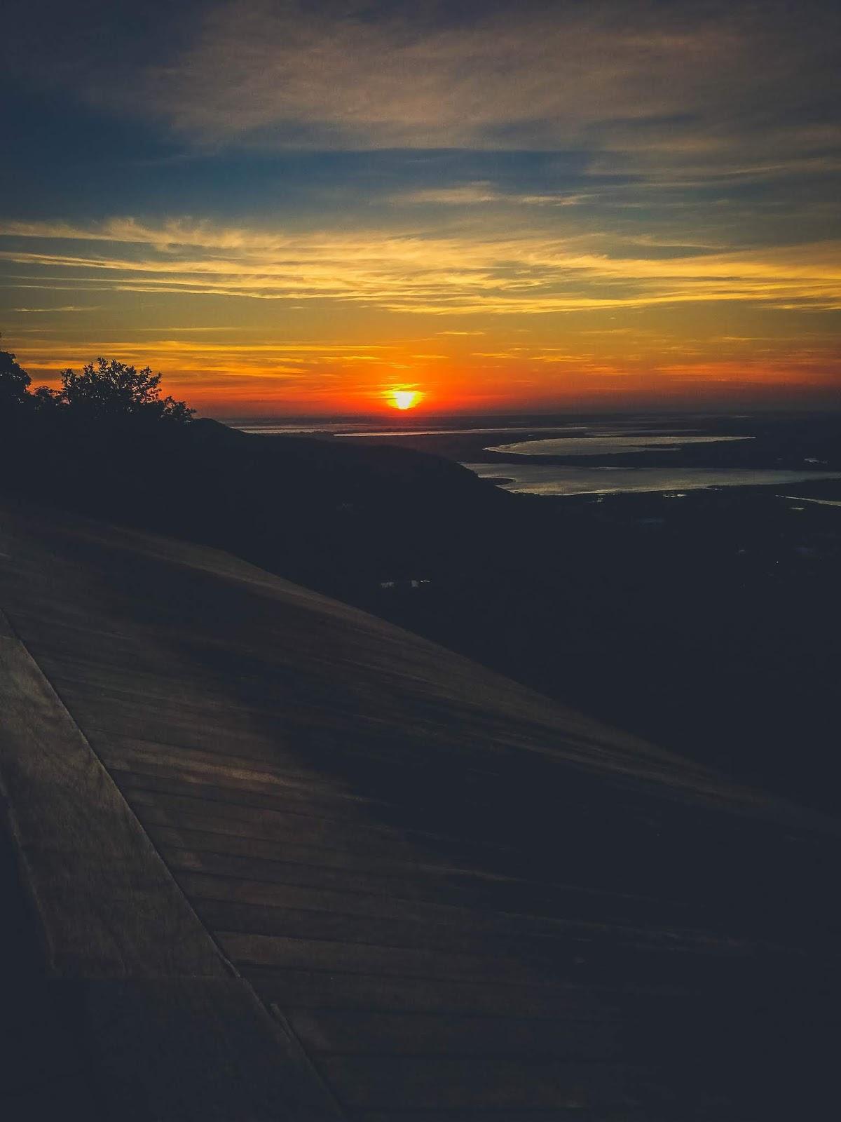 Imagem nascer do sol no Morro da Borússia