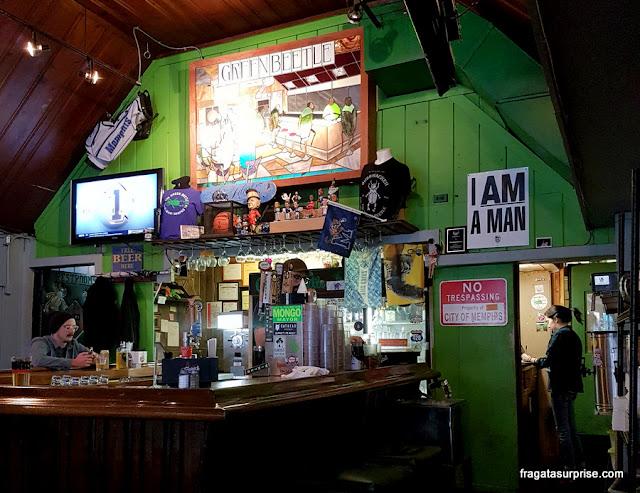 Pub no Centro de Memphis