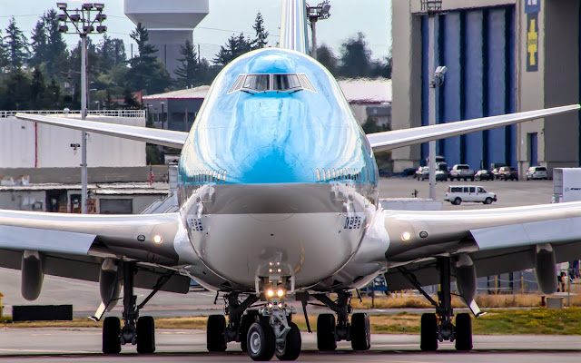 Boeing 747-8 Korean Air New Delivery