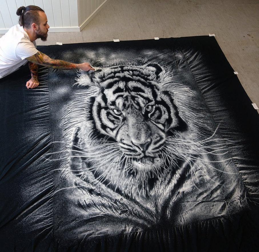 16-Tiger-Dino-Tomic-aka-AtomiccircuS-Kitchen-Salt-Temporary-Drawings-www-designstack-co