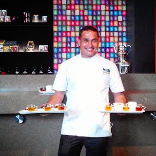 Chef Peter Kuruvita memperkenalkan menu pilihan dan teh Dilmah pasangannya