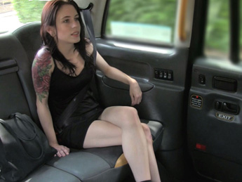 Innocent American lady gets arse fucked – Fake Taxi