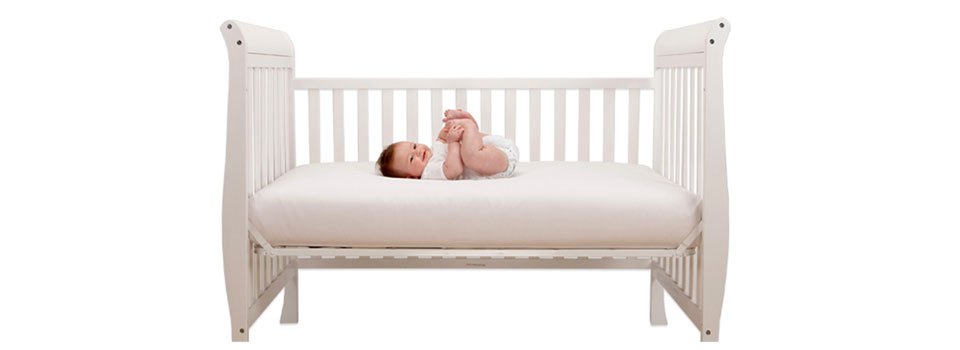 looking for a small baby cribs for the small spaces room read our small baby crib review