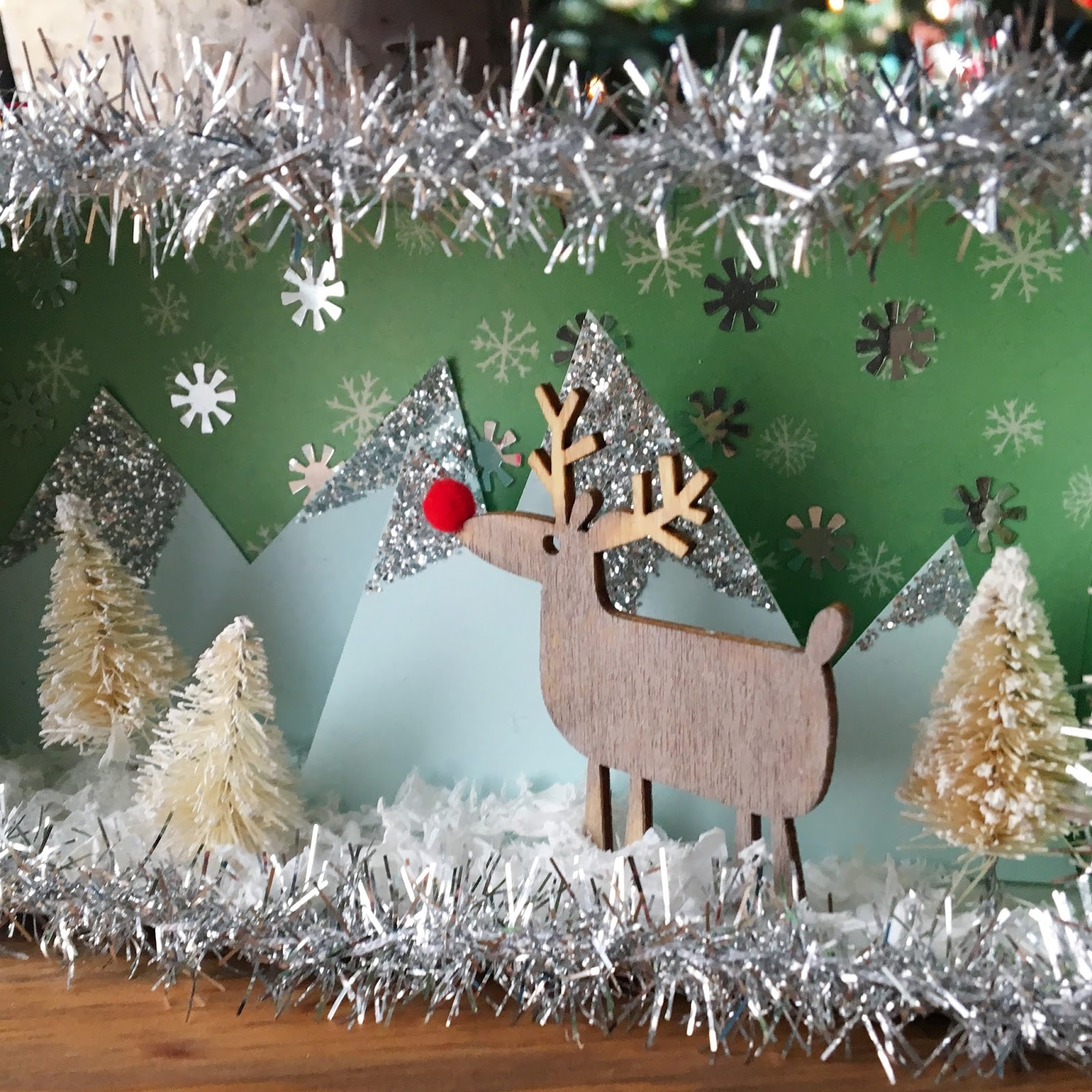 Christmas Shoebox Diorama.Crafty Lumberjacks Boxing In A Winter Wonderland