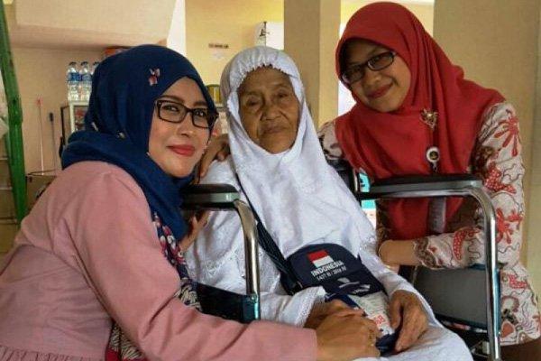 Meski Berusia 101 Tahun Dan Menggunakan Kursi Roda, Nenek Mian Tetap Semangat Ikuti Ibadah Haji