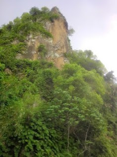 http://www.teluklove.com/2016/11/keindahan-destinasi-wisata-bukit-selo.html