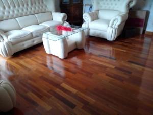 Cara merawat lantai kayu vinyl