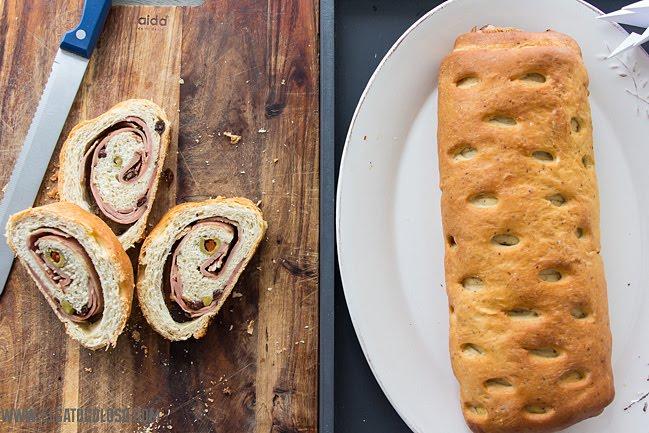 Pan de jamon venezolano, rapido y facil via www.elgatogoloso.com