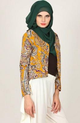 Fashion casual hijab atasan batik untuk hari raya