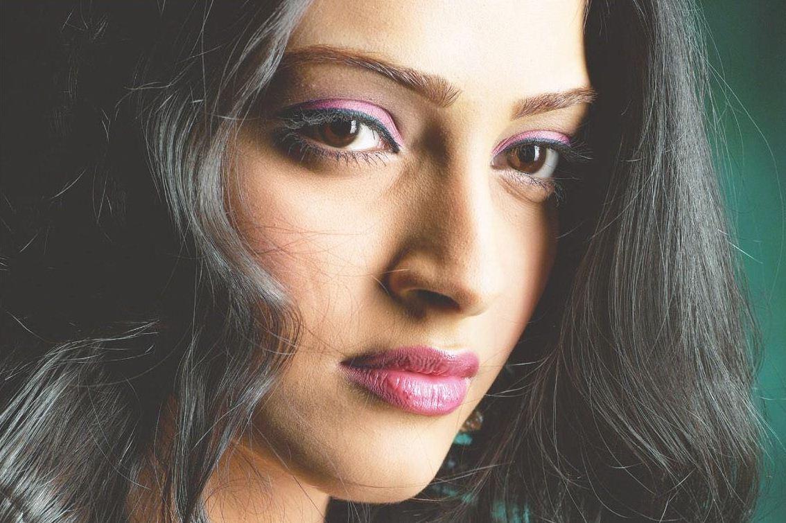 Fashion Blog Sonam Kapoor Sexy-8747