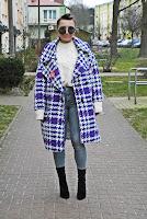 http://www.karyn.pl/2018/01/oversizowy-paszcz-i-szare-jeansy.html