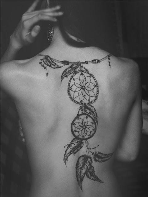 tatuajes para mujeres en la espalda de hadas